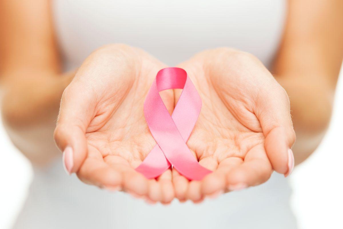 Elastografie mamară - Panglica roz - Simbolul luptei împotriva cancerului la sân